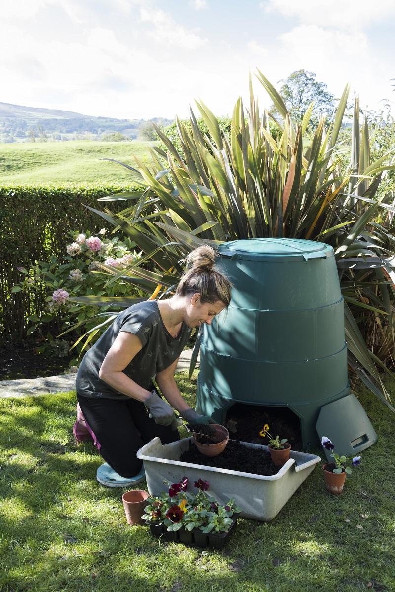Green Johanna Outdoor Compost Bin